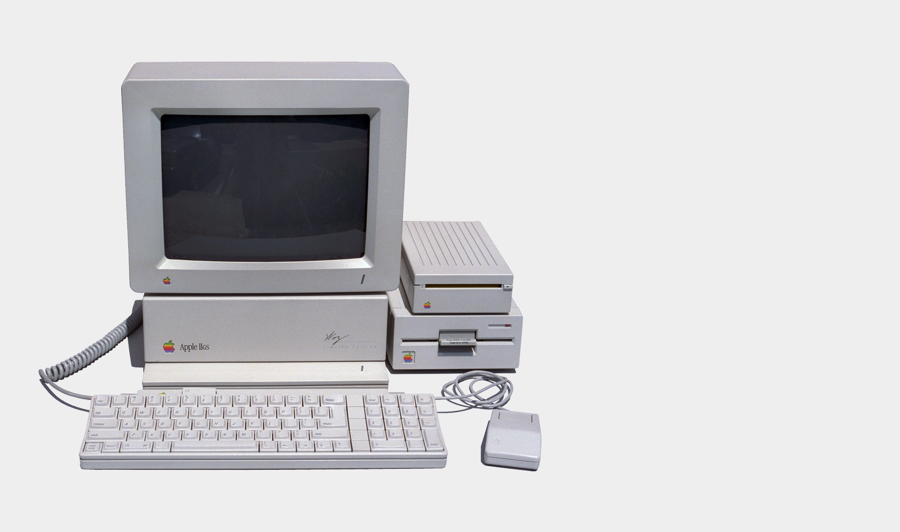 Photo of an Apple IIGS